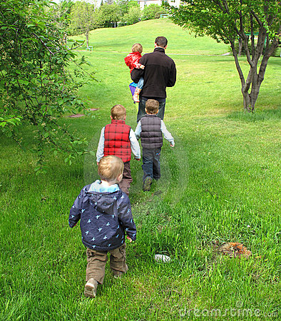 Free Family Walk Royalty Free Stock Image - 9722466