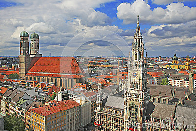 Famous munich marienplatz with town hall and Fraue