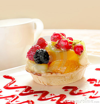 Free Fancy Cake With A Cup Of Tea Or Coffee Royalty Free Stock Image - 6149256