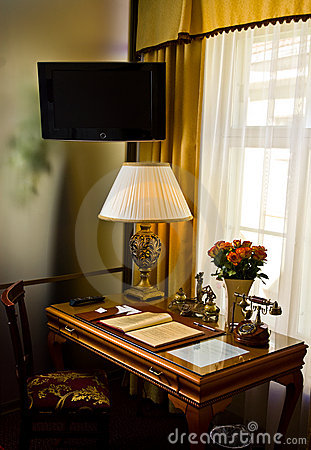 Free Fancy Desk In Hotel Suite Stock Photos - 5673843