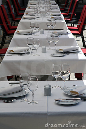 Free Fancy Tables Set For Dinner Royalty Free Stock Images - 20160579
