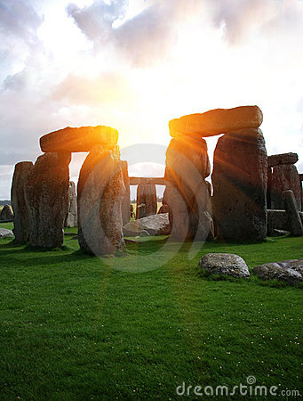 Free Fantasy Stonehenge Royalty Free Stock Photos - 20548568