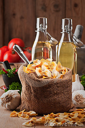 Free Farfalle Pasta Bag Royalty Free Stock Photos - 14289328