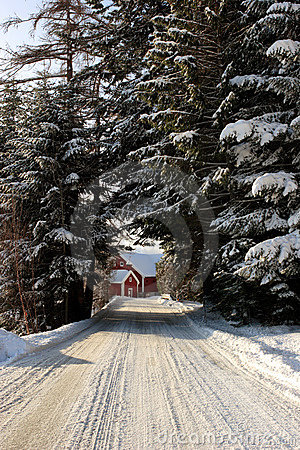 Free Farm At The End Of A Snowy Road Royalty Free Stock Images - 1824589