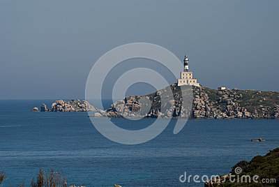 Faro de Cavoli del dei de Isola en Cerdeña