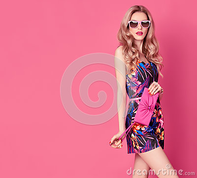 Free Fashion Blond Model In Summer Jumpsuit On Pink Royalty Free Stock Images - 91656169