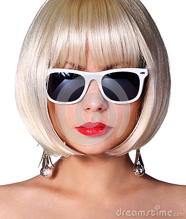 Free Fashion Blonde Model With Sunglasses. Glamorous Young Woman Royalty Free Stock Photography - 37007187