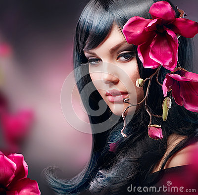 Free Fashion Brunette Girl Royalty Free Stock Images - 25452649