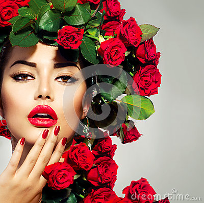 Free Fashion Girl Red Roses Hairstyle Royalty Free Stock Image - 31454046