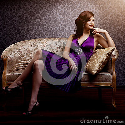 Free Fashion Luxury Model In Purple Dress. Young Beauty Style Girl. B Stock Photography - 43536942