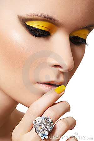 Free Fashion Make-up. Glamour Model Face, Bright Makeup Royalty Free Stock Photo - 20789255