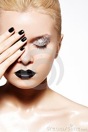 Free Fashion Make-up. Shiny Oil Skin, Black Lips, Nails Stock Image - 17943951
