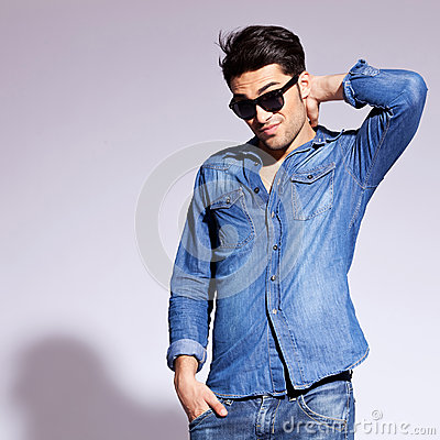 Free Fashion Man Wearing Sunglasses Thinking Royalty Free Stock Images - 26496499