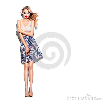 Free Fashion Model Girl Dressed In Short Skirt And Beige Top Royalty Free Stock Image - 69698686