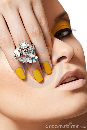 Fashion model, glamour jewelry, make-up & manicure