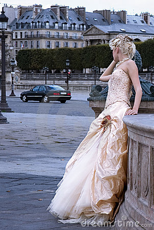 Free Fashion Model In Paris Royalty Free Stock Images - 1278119