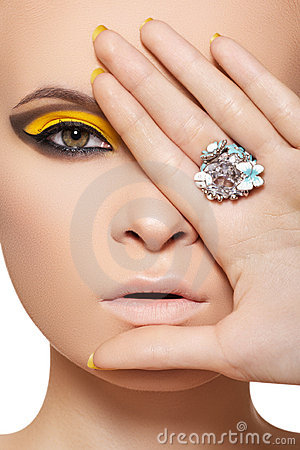 Fashion model, luxury glamour jewelry and make-up