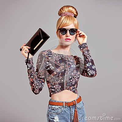 Free Fashion Model Sexy Blond Girl, Glamour Sunglasses Stock Photos - 101542333
