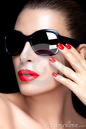 Free Fashion Model Woman In Black Oversized Sunglasses. Bright Makeup Royalty Free Stock Photos - 48750548