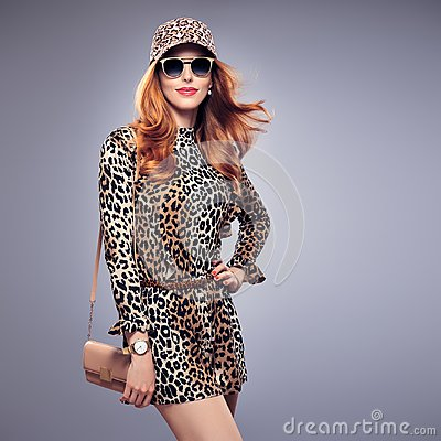 Free Fashion Redhead Young Woman,Trendy Autumn Jumpsuit Royalty Free Stock Photos - 101546558