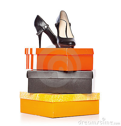Free Fashion Shoes On The Boxes Royalty Free Stock Images - 20377019