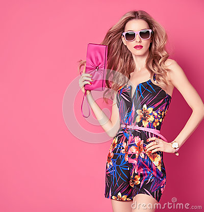 Free Fashion Woman In Trendy Spring Summer Flower Dress Stock Photo - 85335650