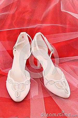 fashionable bridal wedding shoes
