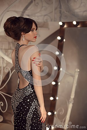 Free Fashionable Teen Girl On Prom Party. Brunette With Elegant Hairs Royalty Free Stock Photo - 111186245