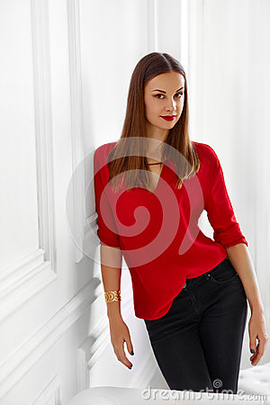Free Fashionable Woman. Portrait Of Successful Office Business Lady Stock Images - 61342054