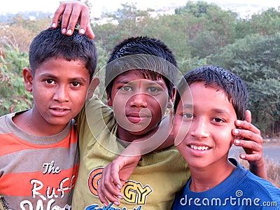 Fattiga indiska pojkar Redaktionell Arkivbild