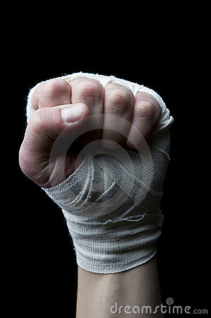 Faust mit Handgelenkverpackungen