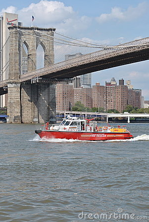 FDNY Fire Rescue Boat Editorial Photography