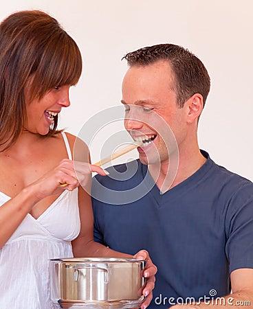 Feed couple