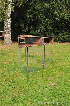 Feeding rack for birds
