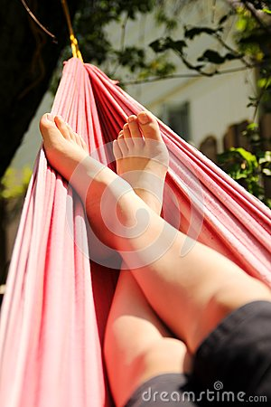 Free Feet In A Hammock Royalty Free Stock Photography - 26081907
