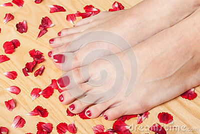 Feet In Spa Royalty Free Stock Photo - Image: 28315965