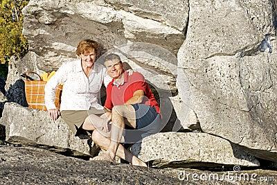 Feiern eines Jahrestages auf den Felsen