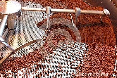 Feijões de café roasted aeração