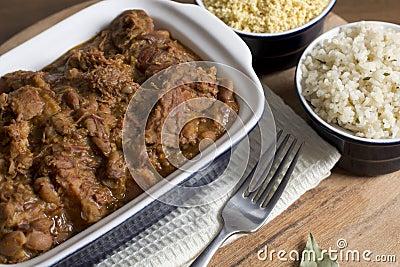 Feijoada, weißer Reis u. Farofa