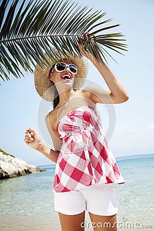 Felice sulla spiaggia