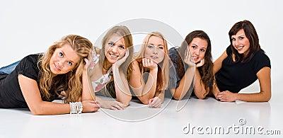 Fem kvinnor