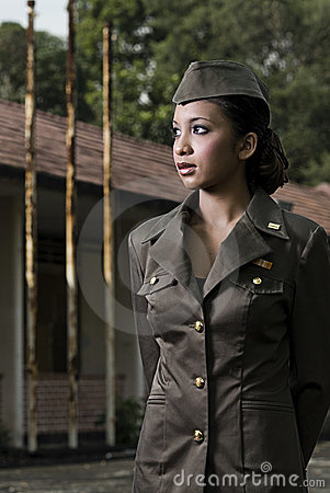 Free Female Army Personnel Royalty Free Stock Photo - 2406185