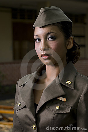 Free Female Army Personnel Royalty Free Stock Photography - 2407707