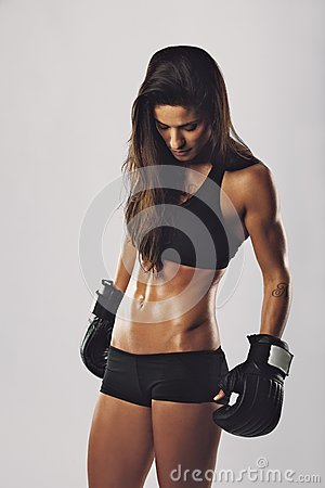 Free Female Boxer With Boxing Gloves Royalty Free Stock Photography - 36334207