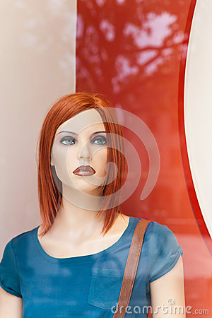 Female display dummy