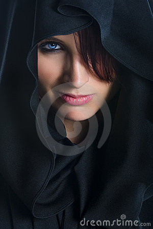 Free Female Face In Cloth Royalty Free Stock Photos - 6538358