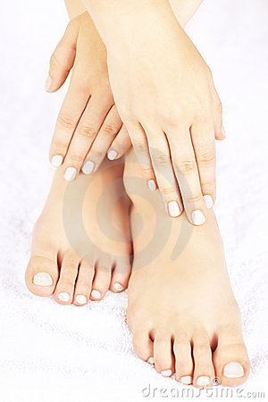Free Female Feet And Hands Royalty Free Stock Photography - 21747857