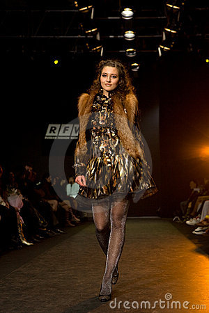 Free Female Model At A Fashion Show Stock Photo - 4846210