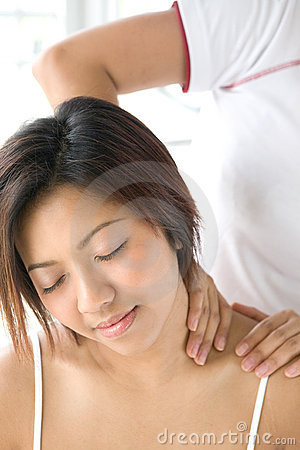Free Female Patient Receiving Shoulder Massage Royalty Free Stock Image - 4696296