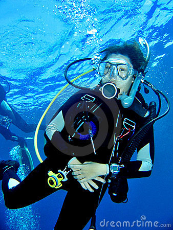 Free Female Scuba Diver Stock Photos - 1259073